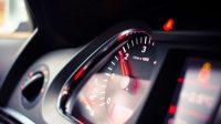 Penyebab Gas Mobil Naik Turun