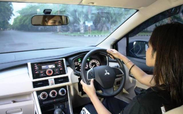 Cara Mengemudi Mobil Matic Xpander
